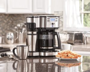 Single serve coffee brewer